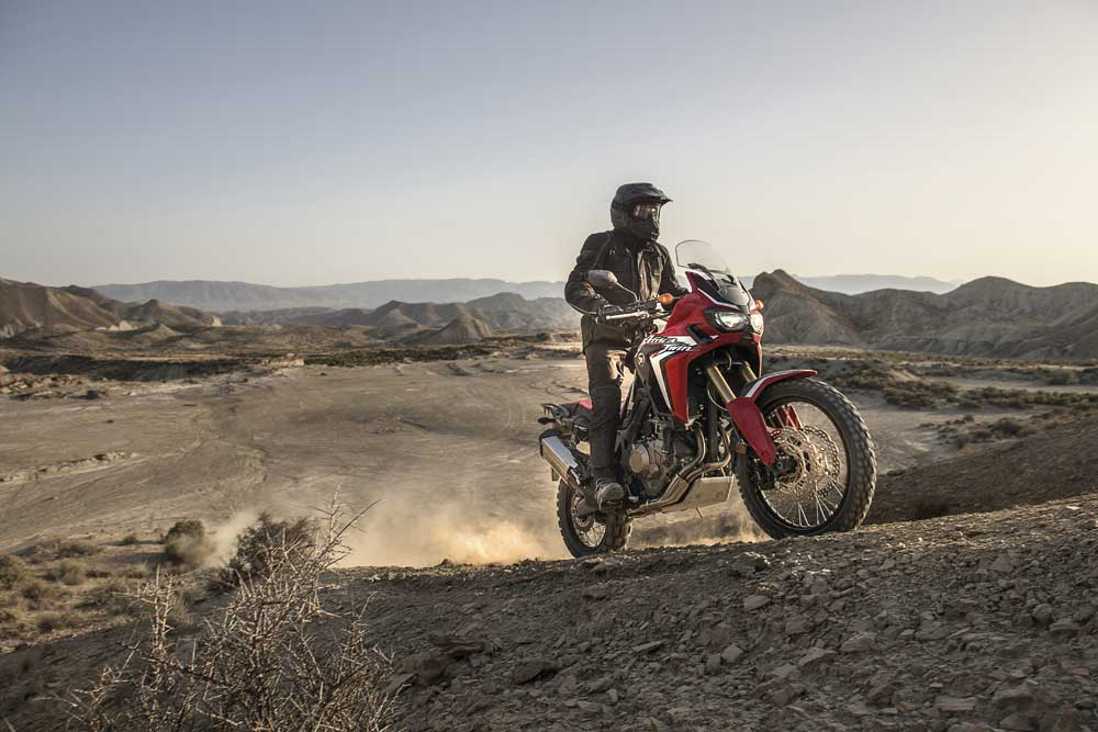 CRF1000L_Africa_Twin_01